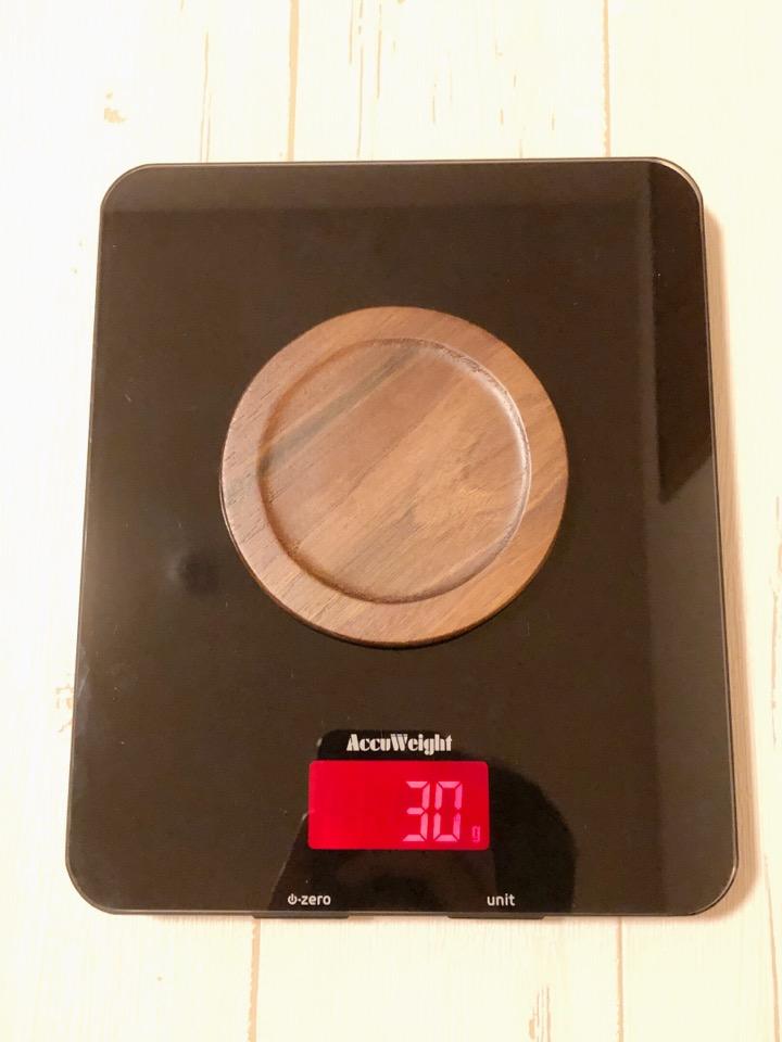 Anyasun 木製コースターは一枚30gと非常に軽量