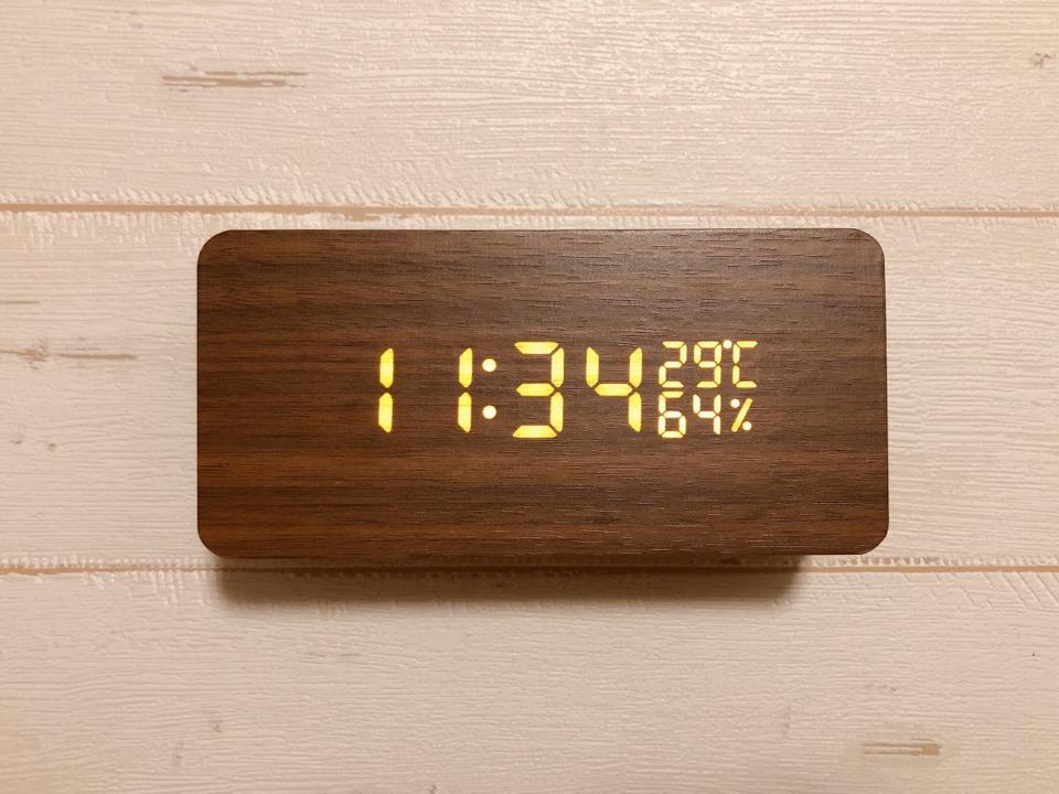 CosyLife 木目調置き時計を起動。自動ではなく手動で時間をあわせる