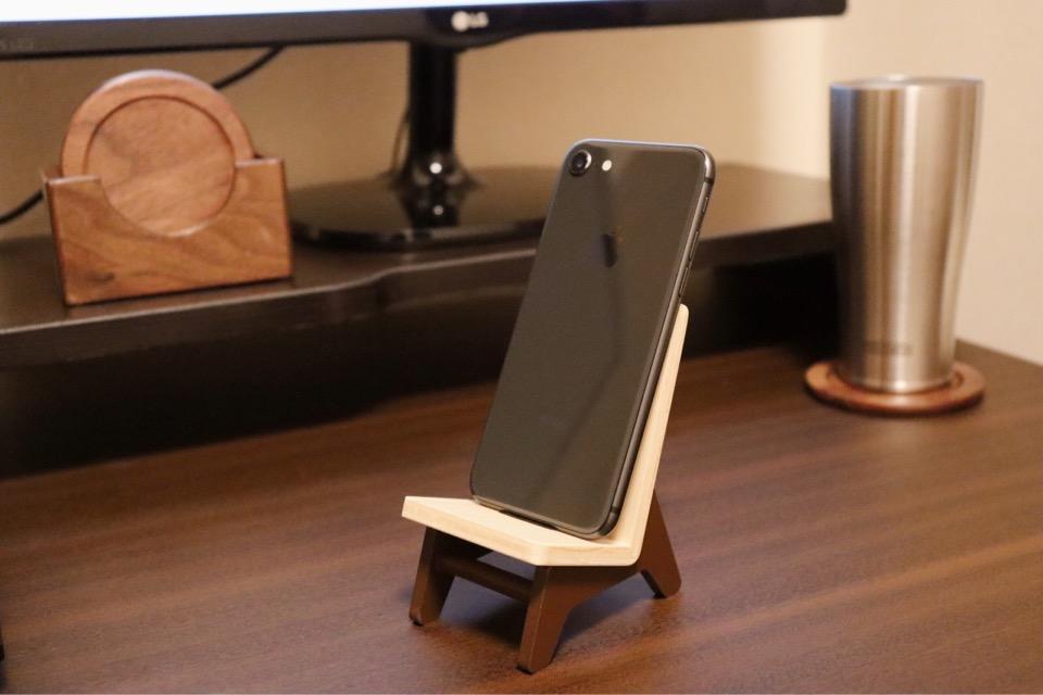 ヤマト工芸 chair holder おしゃれな木製雑貨。縦置き・充電ケーブルが挿せる