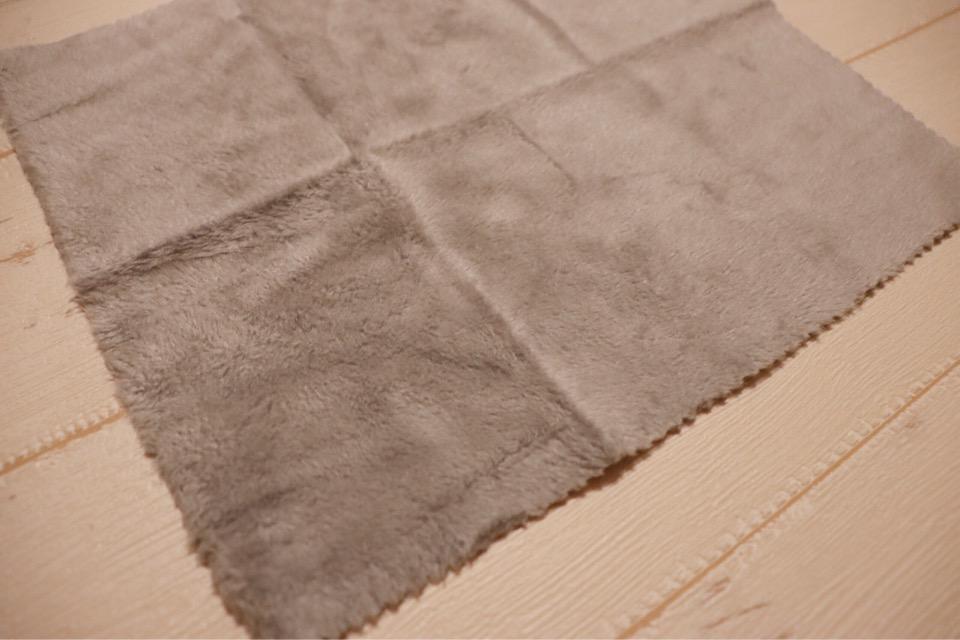 エレコム KCT-006GYは超極細の繊維で指紋汚れや油脂を絡め取ってくれる