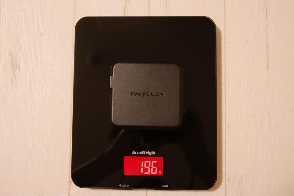 RAVPower RP-PB125の重量は196gと非常に軽量