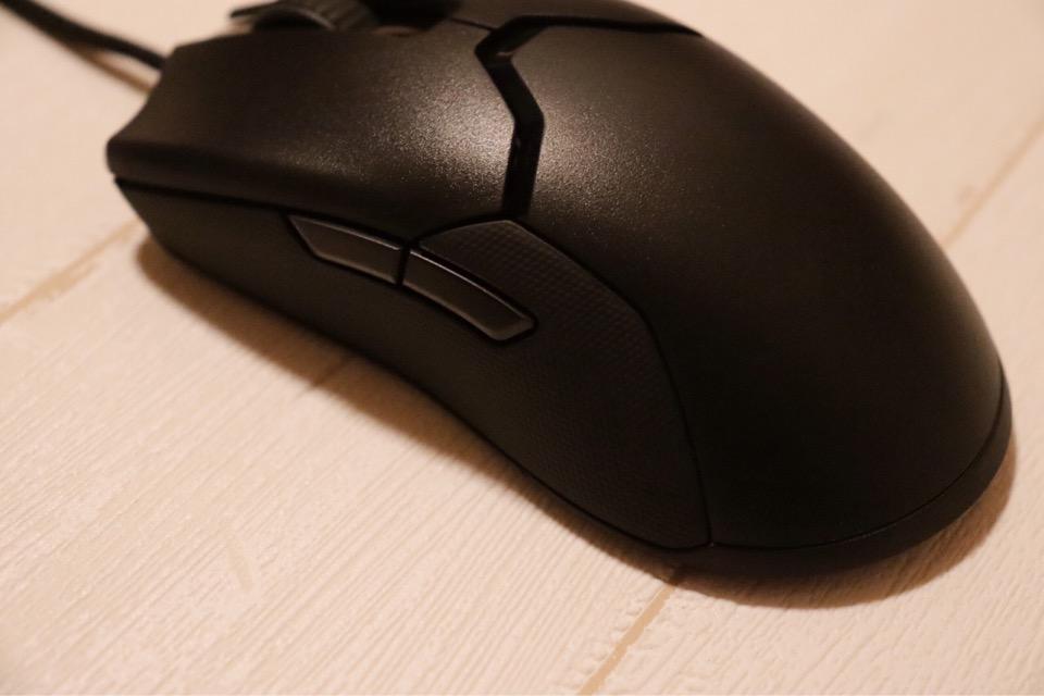 Razer Viperには左右にサイドボタンがある