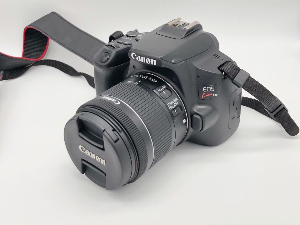 キヤノン EOS kiss x10はコスプレイヤーを撮影するのにぴったり。初心者向けの一眼レフカメラ。