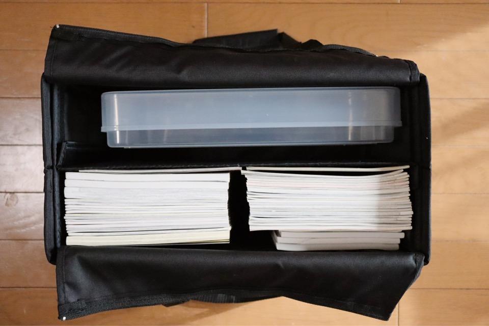 カウネットのコミケ用ミーティングバッグは、クリアケースもすっぽり入る