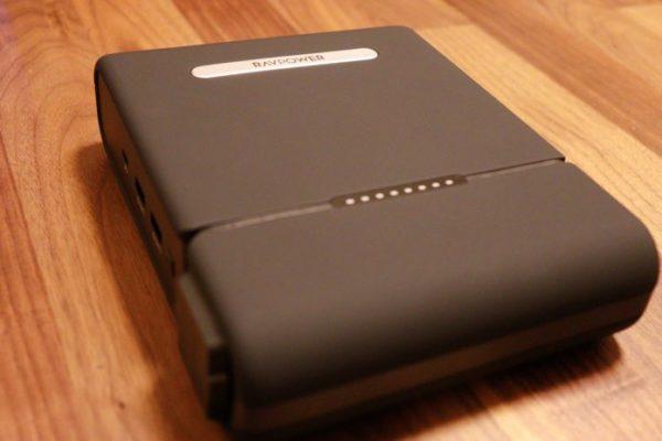 RAVPower RP-PB055は30000mAhの大容量モバイルバッテリー