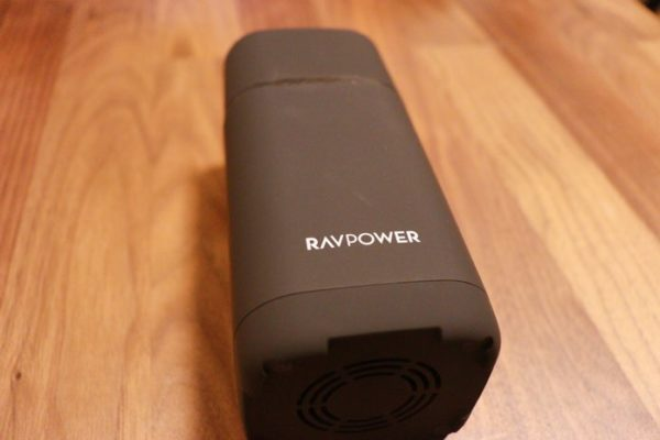 RP-PB054proは20000mAhの大容量モバイルバッテリー